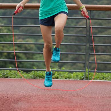 Saltar la cuerda: divertido y muy beneficioso